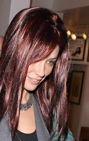 75957-evangeline-lilly-with-new-red-hair-at-art-ga.jpg